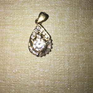 18k gold cubic zirconia pendant
